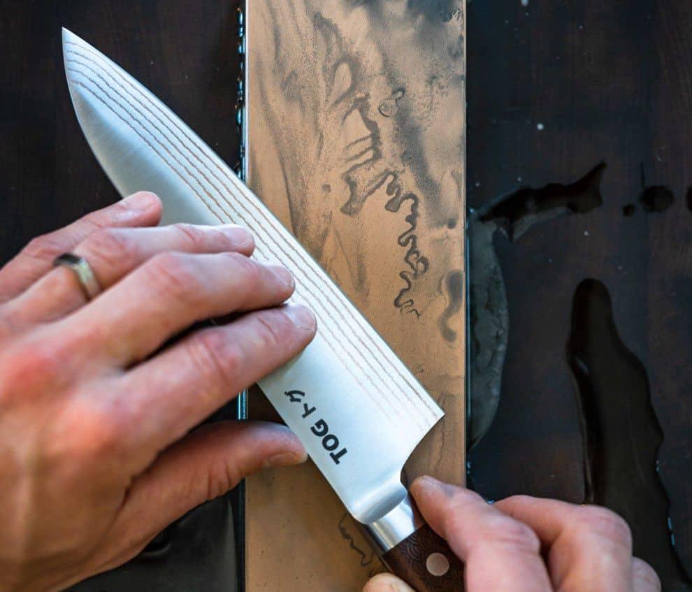 Sharpening santoku knife